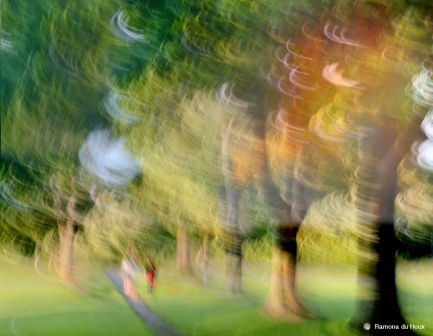 ramona-du-houx_-summer-stroll_18-x24_3002